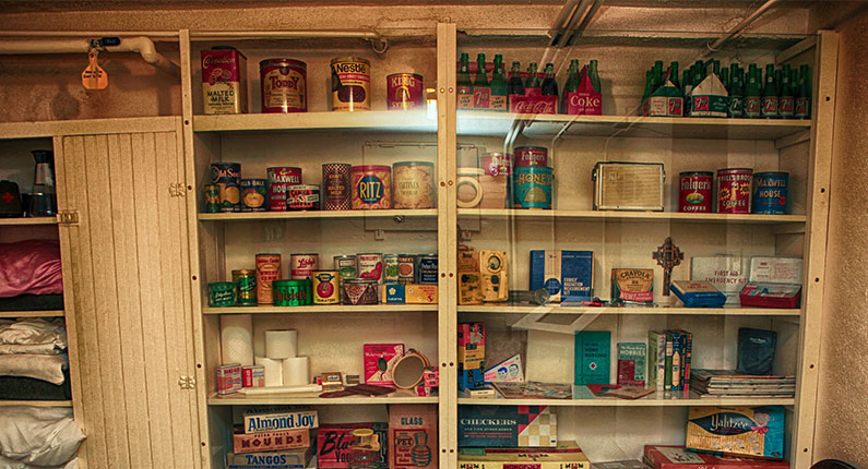 DIY: Wall-Hanging Canned Food Storage